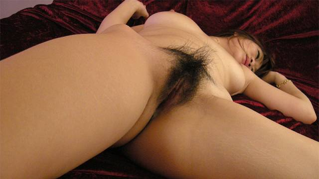 Maki Otoha gets cum in hairy cunt