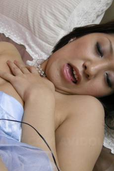 Astonishing woman, Saaya Hazuki is in the mood for an orgasm