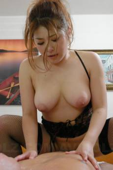 Voluptuous woman, Mirai Haneda looks amazing in lingerie